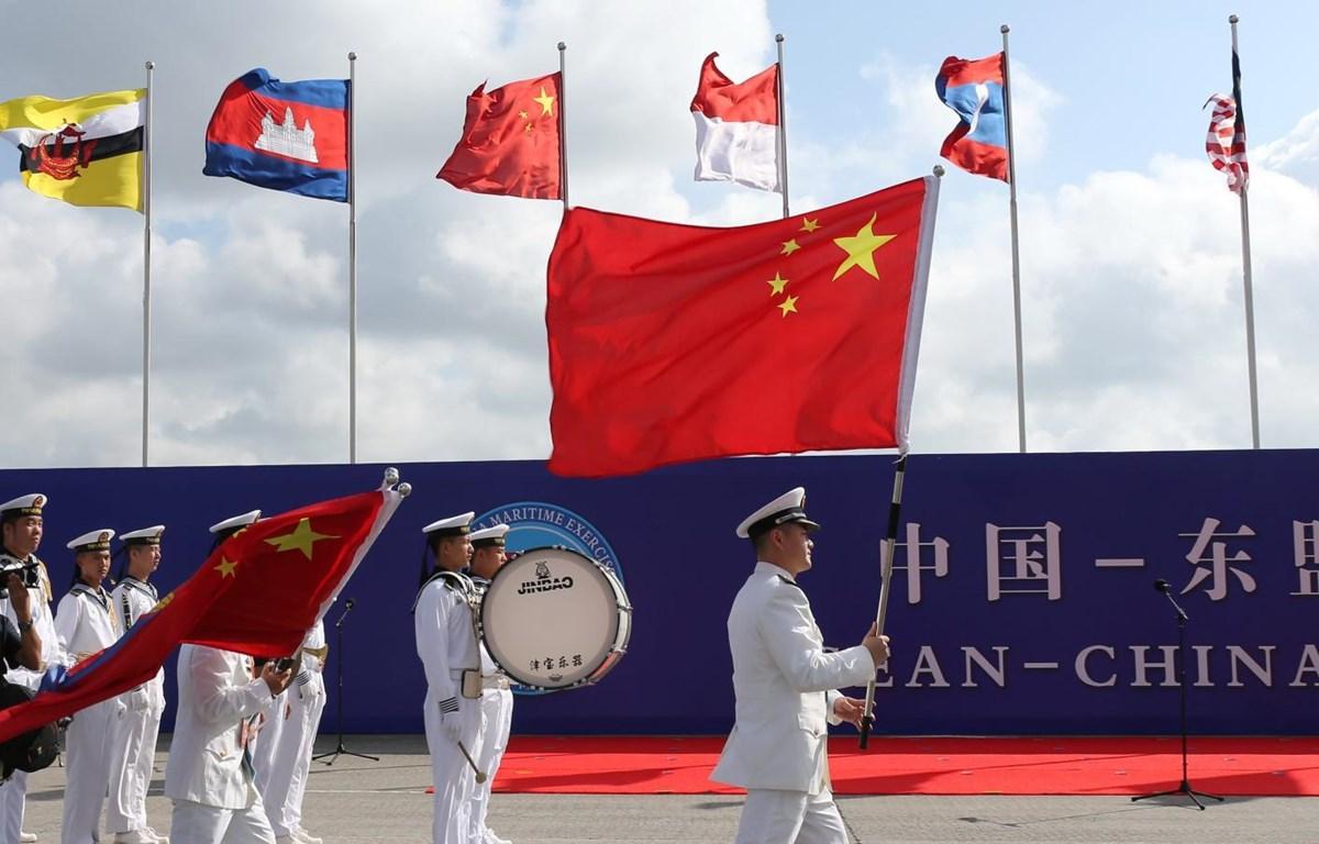 ASEAN và Trung Quốc đã nối lại đàm phán về COC nhằm bù đắp thời gian chậm trễ do dịch COVID-19. (Nguồn: Reuters)