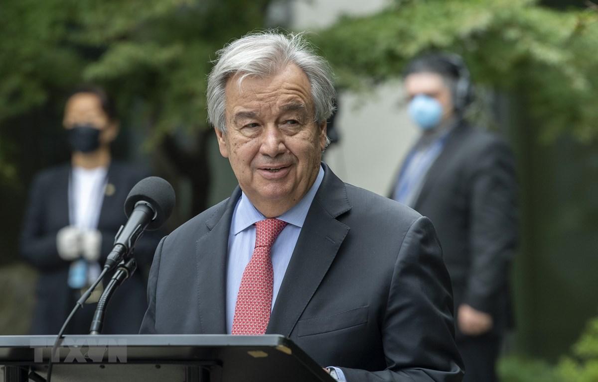 Tổng Thư ký Liên hợp quốc Antonio Guterres phát biểu tại buổi lễ. (Ảnh: Hữu Thanh/TTXVN)