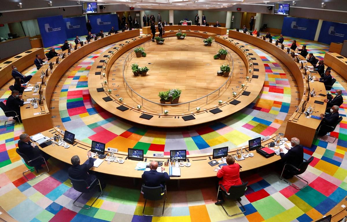 Toàn cảnh hội nghị thượng đỉnh EU tại Brussels, Bỉ, ngày 17/7/2020. (Ảnh: AFP/ TTXVN)