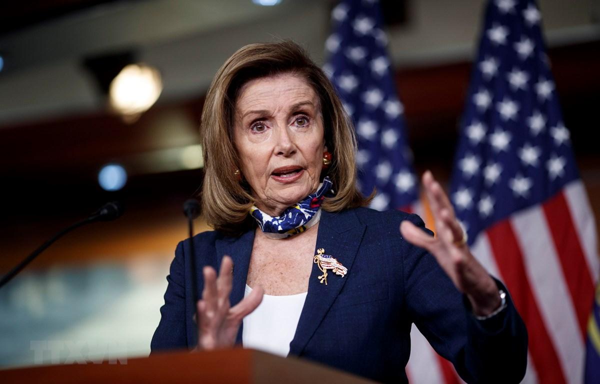 Chủ tịch Hạ viện Mỹ Nancy Pelosi phát biểu tại cuộc họp báo ở Washington, DC ngày 10/9/2020. (Ảnh: THX/TTXVN)