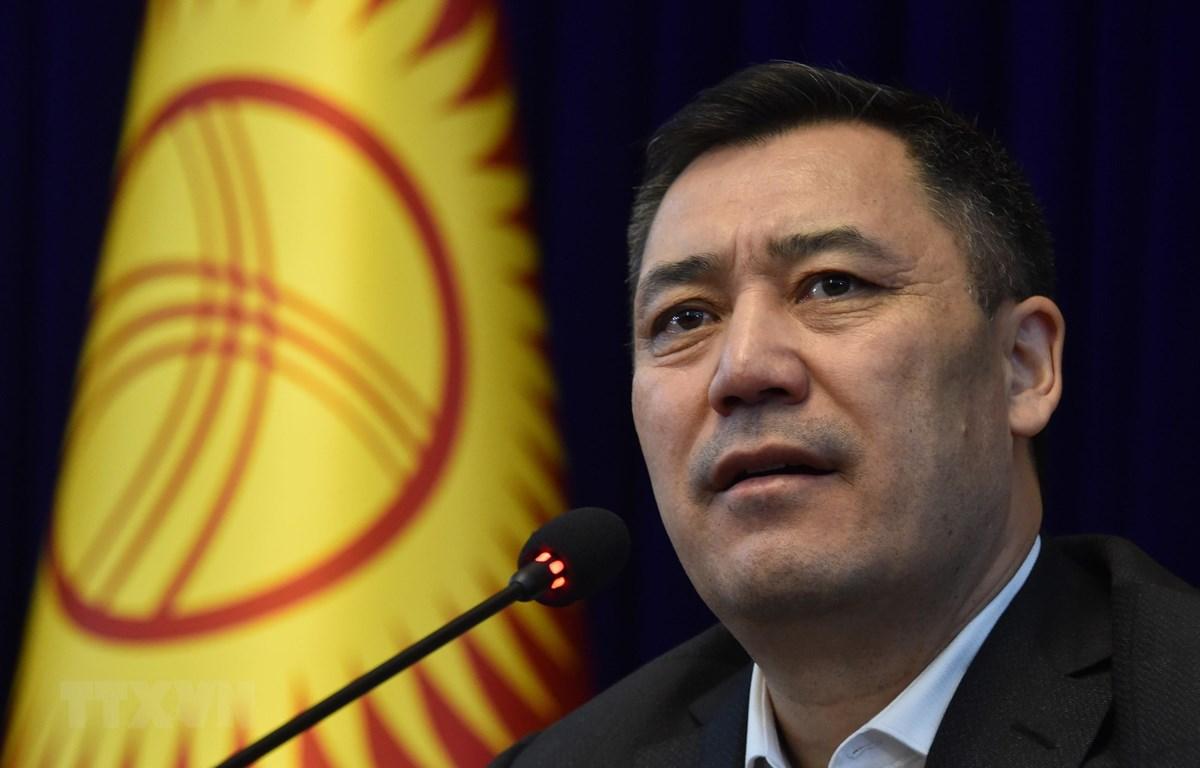 Tân Thủ tướng Kyrgyzstan Sadyr Zhaparov phát biểu tại cuộc họp báo ở Bishkek ngày 10/10/2020. (Ảnh: AA/TTXVN)