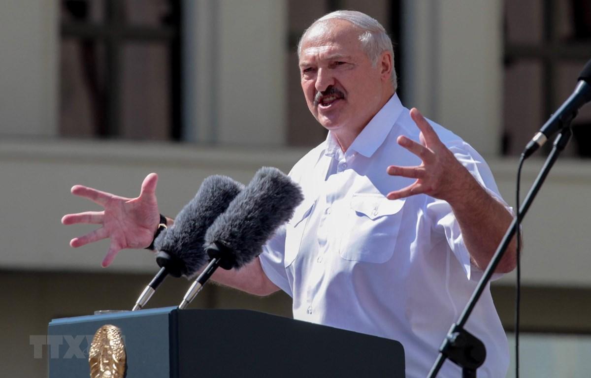 Tổng thống Belarus Alexander Lukashenko phát biểu tại một sự kiện ở Minsk ngày 16/8/2020. (Ảnh: AFP/TTXVN)