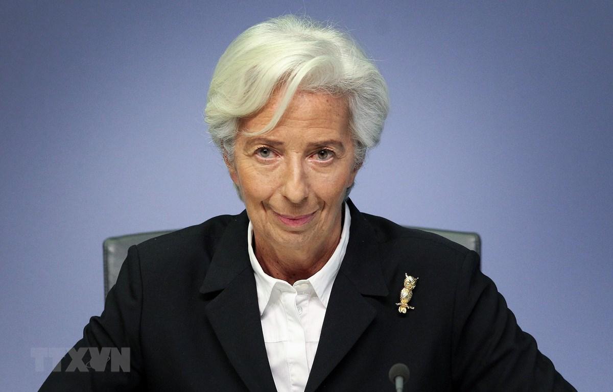 Chủ tịch Ngân hàng trung ương châu Âu (ECB), bà Christine Lagarde tại cuộc họp báo ở Frankfurt, Đức. (Ảnh: AFP/TTXVN)
