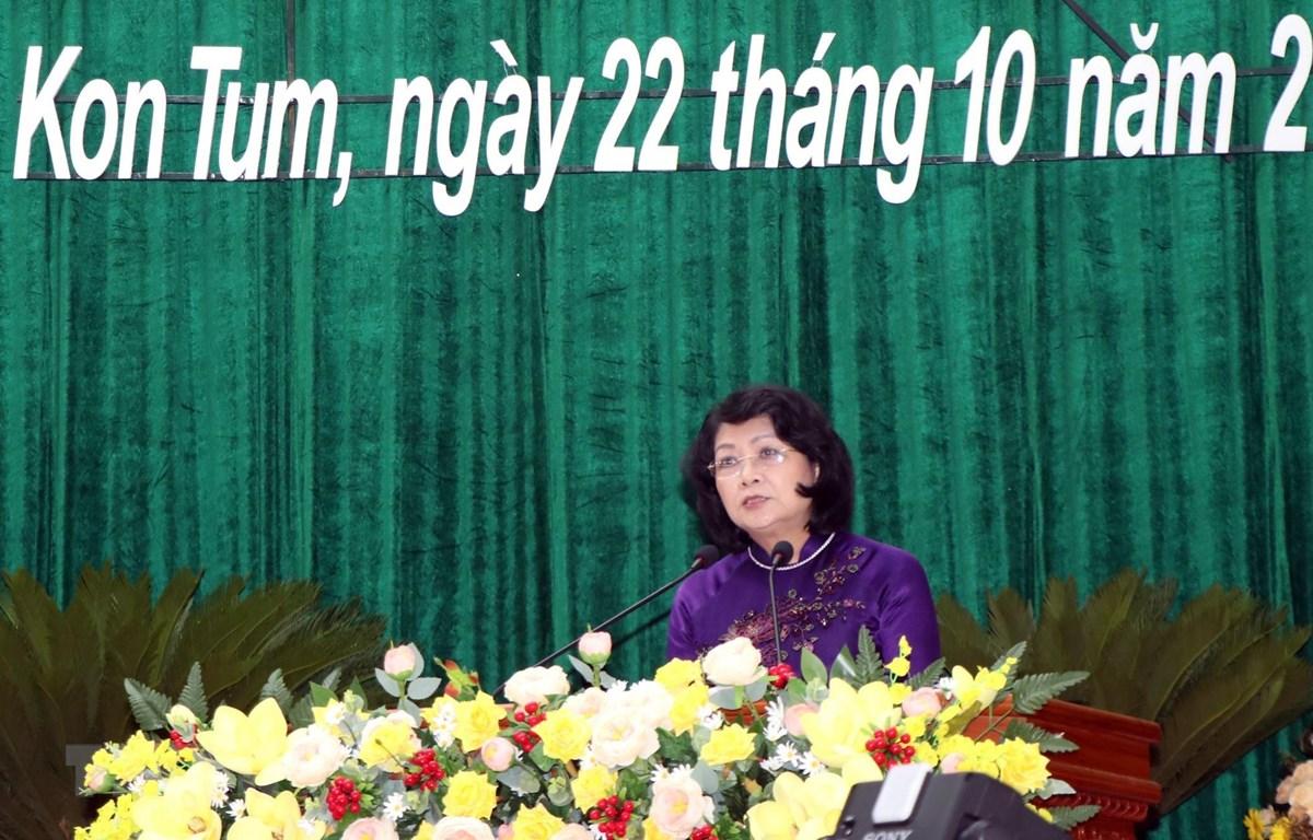 Phó Chủ tịch thứ nhất Hội đồng Thi đua Khen thưởng Trung ương Đặng Thị Ngọc Thịnh phát biểu tại Đại hội. (Ảnh: Hoàng Cao Nguyên/TTXVN)