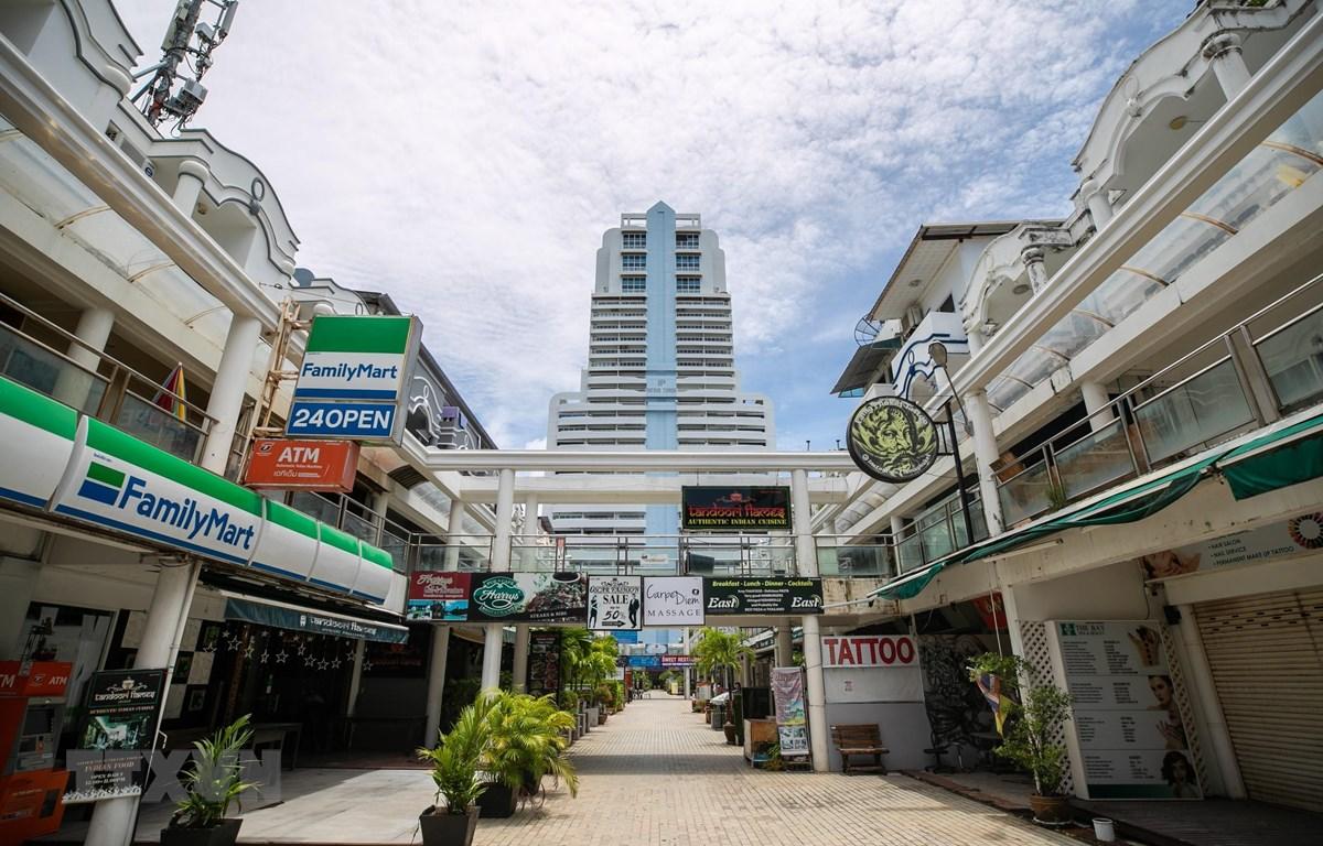 Cảnh vắng vẻ trên đường phố tại Phuket, Thái Lan, ngày 13/9/2020 trong bối cảnh dịch COVID-19 lan rộng. (Ảnh: THX/TTXVN)