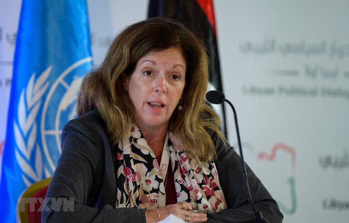 Đại diện đặc biệt của Tổng thư ký Liên hợp quốc về Libya, bà Stephanie Williams phát biểu tại Tunis, Tunisia ngày 11/11/2020. (Ảnh: AFP/TTXVN)