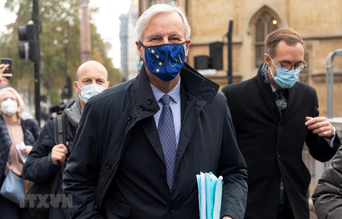 Trưởng đoàn đàm phán thương mại hậu Brexit của EU Michel Barnier tới London để tham gia cuộc đàm phán với phía Anh ngày 9/11/2020. (Ảnh: THX/TTXVN)
