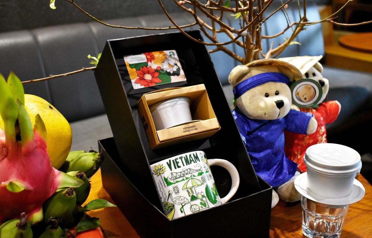 Các sản phẩm mang đậm dấu ấn văn hóa Việt Nam của Starbucks.