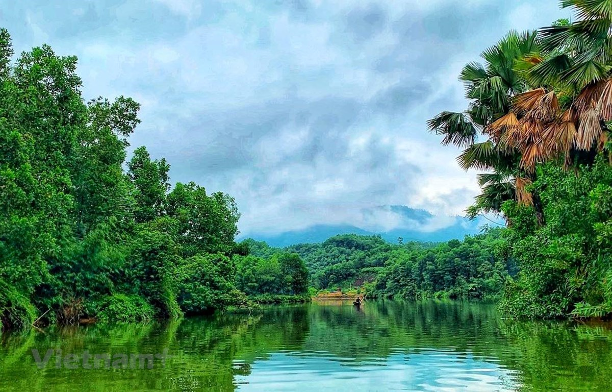 Một góc đầm Vân Hội phong cảnh hữu tình, nơi giáp gianh giữa Phú Thọ-Yên Bái. (Ảnh: Xuân Mai/Vietnam+)