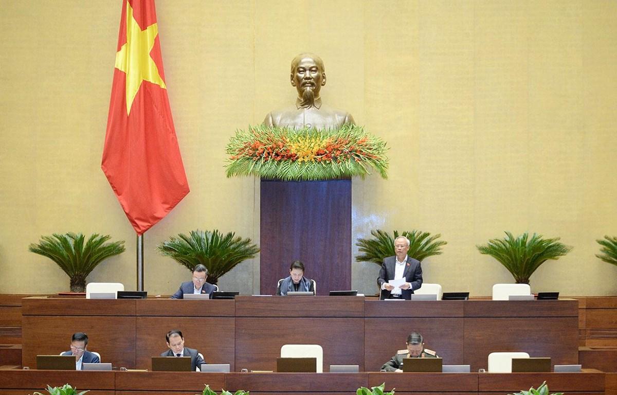 Phó Chủ tịch Quốc hội Uông Chu Lưu điều hành nội dung làm việc sáng ngày 21/10. (Nguồn ảnh: quochoi.vn)