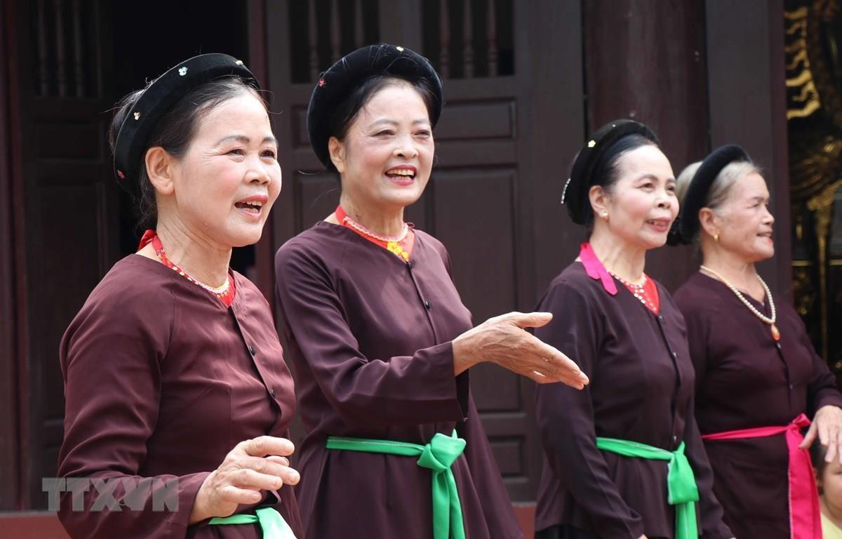 Nghệ thuật hát Trống quân Bùi Xá (Bắc Ninh) là một trong những giá trị văn hóa phi vật thể tạo nên sức hấp dẫn cho điểm đến Việt Nam. (Ảnh: TTXVN)