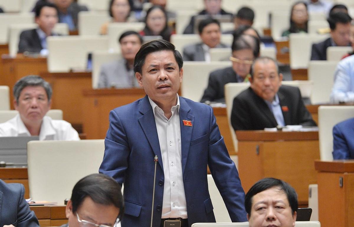 Bộ trưởng Nguyễn Văn Thể trên nghị trường kỳ họp thứ 10, Quốc hội khóa XIV. (Ảnh: quochoi.vn)