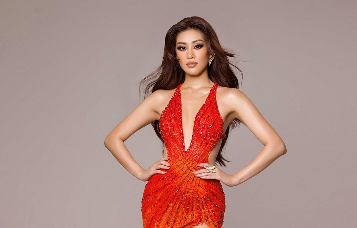 Trang phục dạ hội Khánh Vân diện trong đêm Chung kết Miss Universe lần thứ 69. (Ảnh: CTV/Vietnam+)