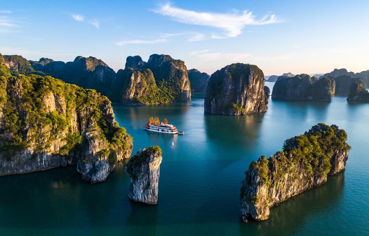 Du lịch Việt lâm cảnh bị dịch bệnh bao vây tứ phía. (Ảnh minh họa: CTV/Vietnam+)