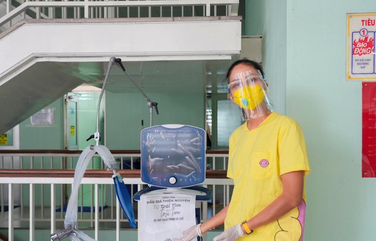 H'Hen Niê khởi động hành trình 'Từ trái tim đến trái tim.' (Ảnh: CTV/Vietnam+)
