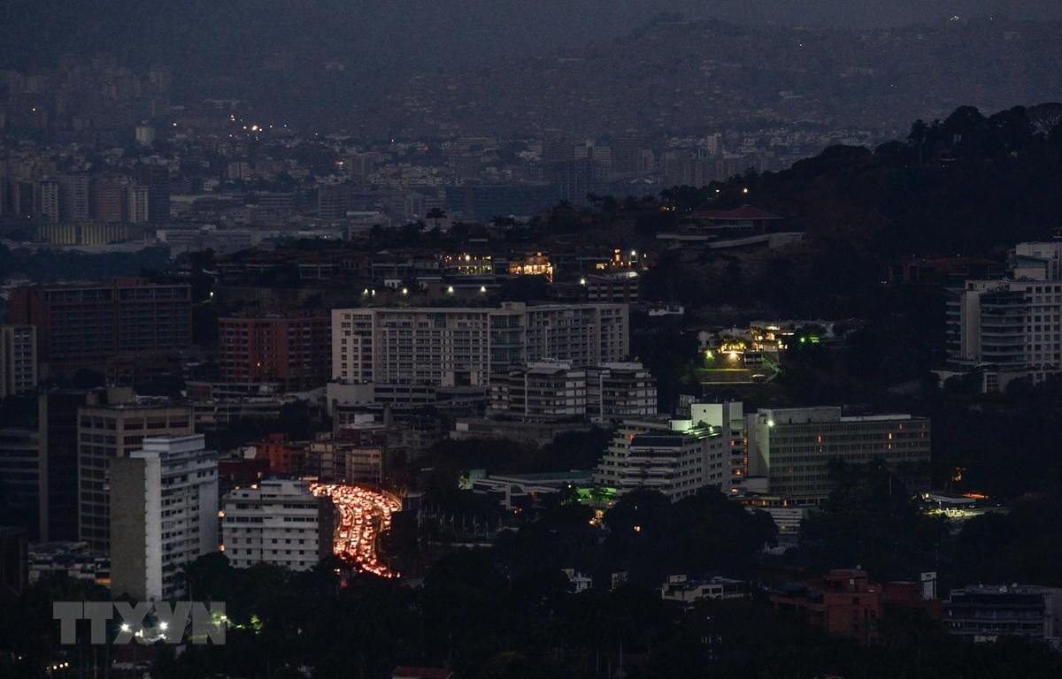 Cảnh mất điện tại Caracas, Venezuela, ngày 9/3/2019. (Ảnh: AFP/TTXVN)