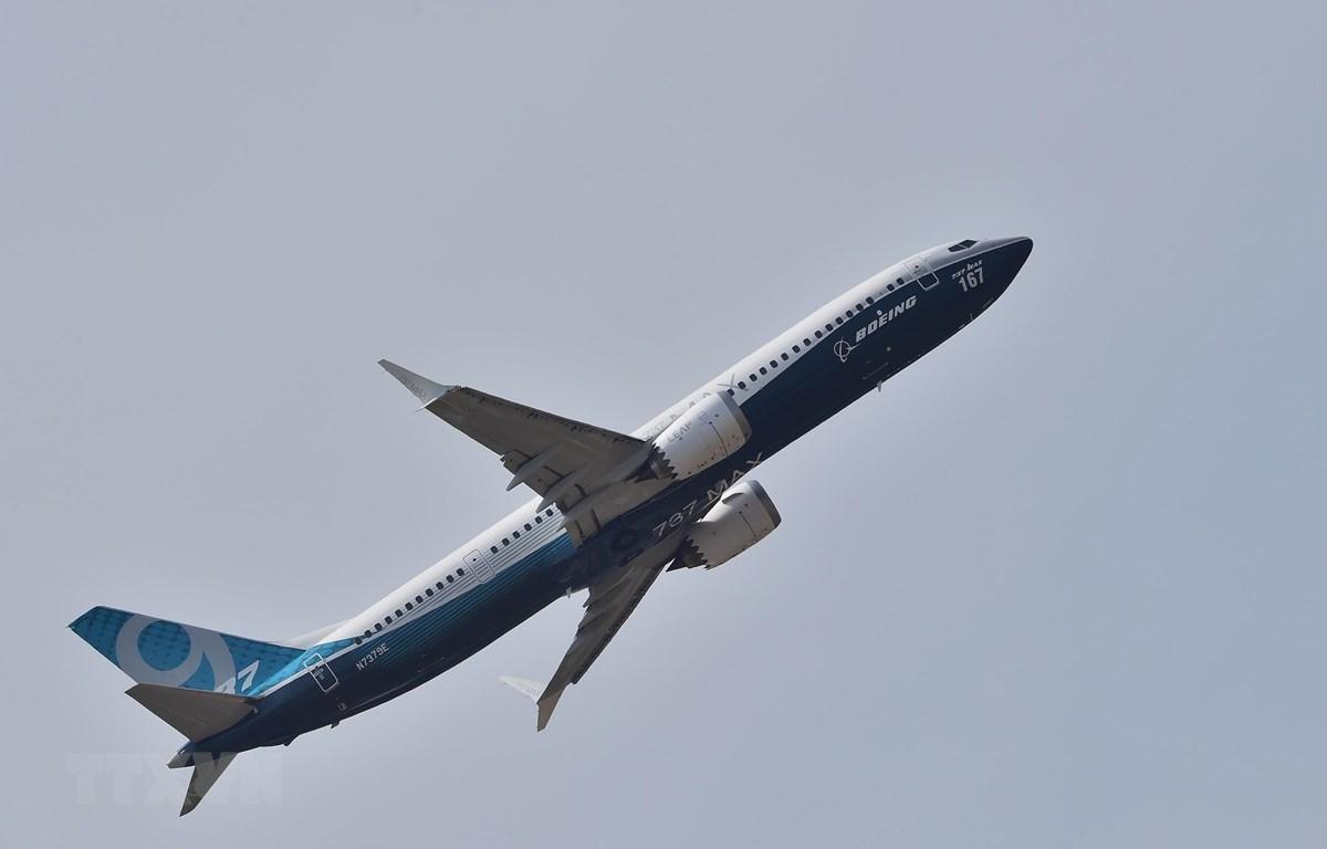 Máy bay 737 MAX 9 của Boeing trình diễn tại Triển lãm hàng không quốc tế Paris ở Le Bourget, ngoại ô Paris, Pháp, ngày 22/6/2017. (Ảnh: AFP/TTXVN)