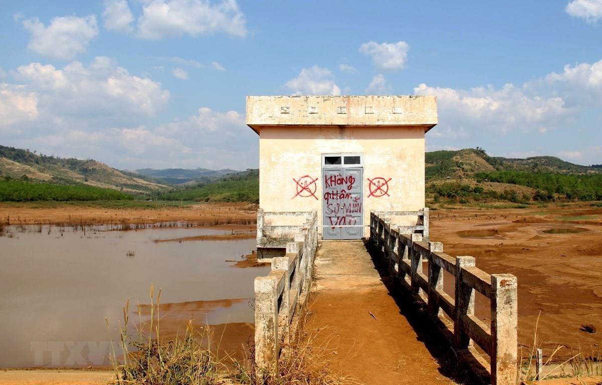 Công trình thủy lợi Đắk Ngo bỏ hoang, lãng phí nhiều tỷ đồng. (Ảnh: Ngọc Minh/TTXVN)