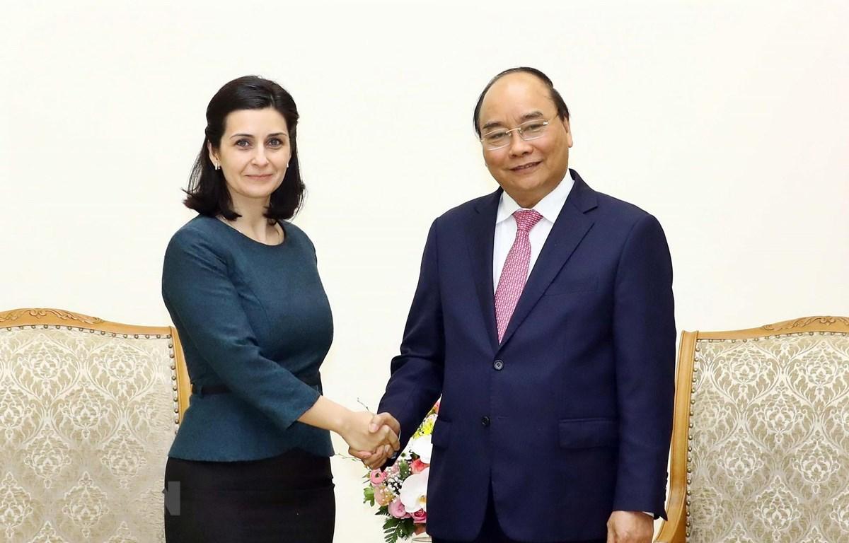 Thủ tướng Nguyễn Xuân Phúc tiếp bà Marinela Petkova, Đại sứ Bulgaria tại Việt Nam. (Ảnh: Thống Nhất/TTXVN)