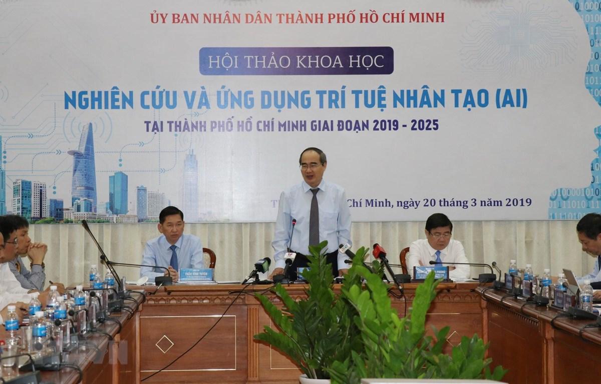 Bí thư Thành ủy Thành phố Hồ Chí Minh Nguyễn Thiện Nhân chủ trì hội thảo. (Ảnh: Tiến Lực/TTXVN)