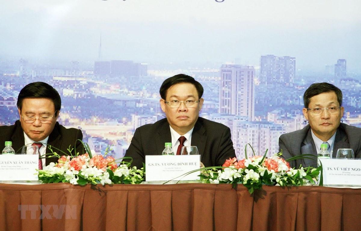 Ủy viên Bộ Chính trị, Phó Thủ tướng Vương Đình Huệ phát biểu tại hội thảo. (Ảnh: Nguyễn Dân/TTXVN)