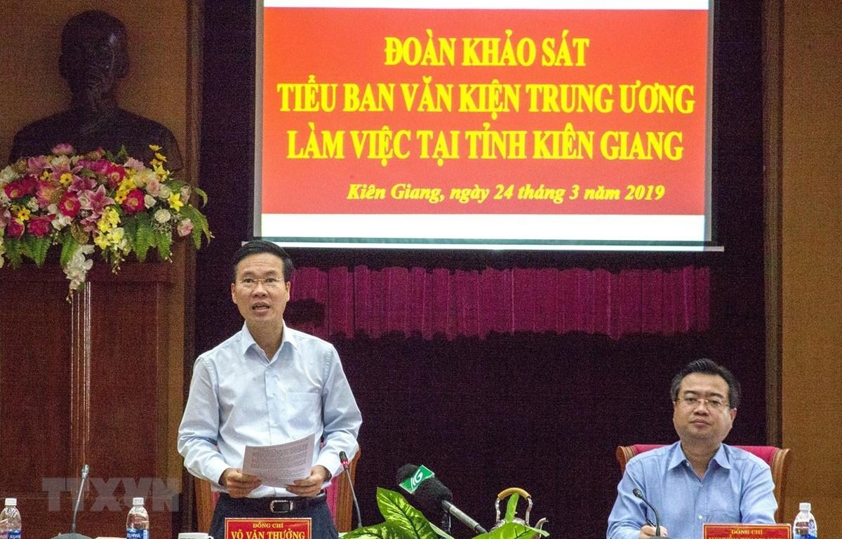 Ông Võ Văn Thưởng, Uỷ viên Bộ Chính trị, Bí thư Trung ương Đảng, Trưởng Ban Tuyên giáo Trung ương phát biểu kết luận buổi làm việc. (Ảnh: Hồng Đạt/TTXVN)