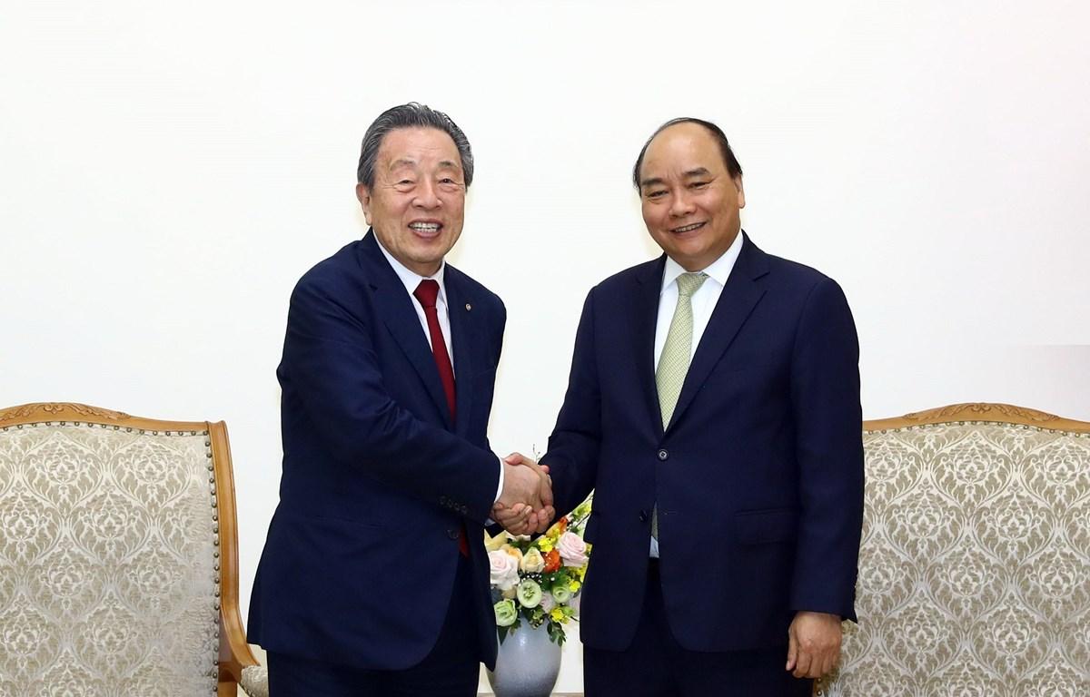 Thủ tướng Nguyễn Xuân Phúc tiếp ông Han Chang-woo, Chủ tịch Tập đoàn Maruhan (Nhật Bản). (Ảnh: Thống Nhất/TTXVN)