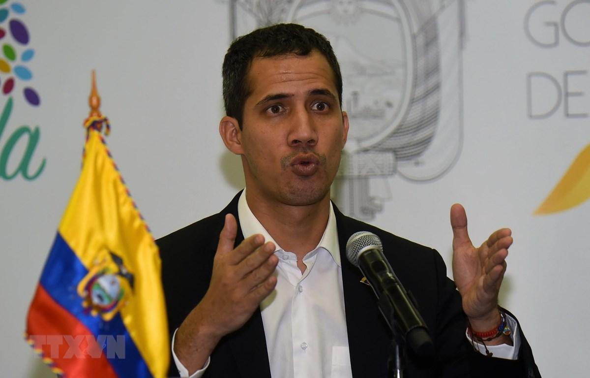 Thủ lĩnh đối lập Venezuela Juan Guaido phát biểu tại Salinas, Ecuador ngày 2/3/2019. (Ảnh: AFP/TTXVN)