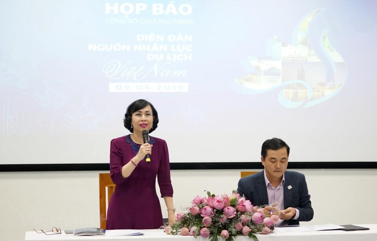 Nhà giáo ưu tú, giáo sư-tiến sỹ Mai Hồng Quỳ - Hiệu trưởng HSU phát biểu. (Ảnh: Vietnam+)