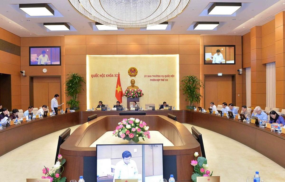 Toàn cảnh Phiên họp thứ 33 của Ủy ban Thường vụ Quốc hội khóa XIV sáng 16/4. (Ảnh: Văn Điệp/TTXVN)