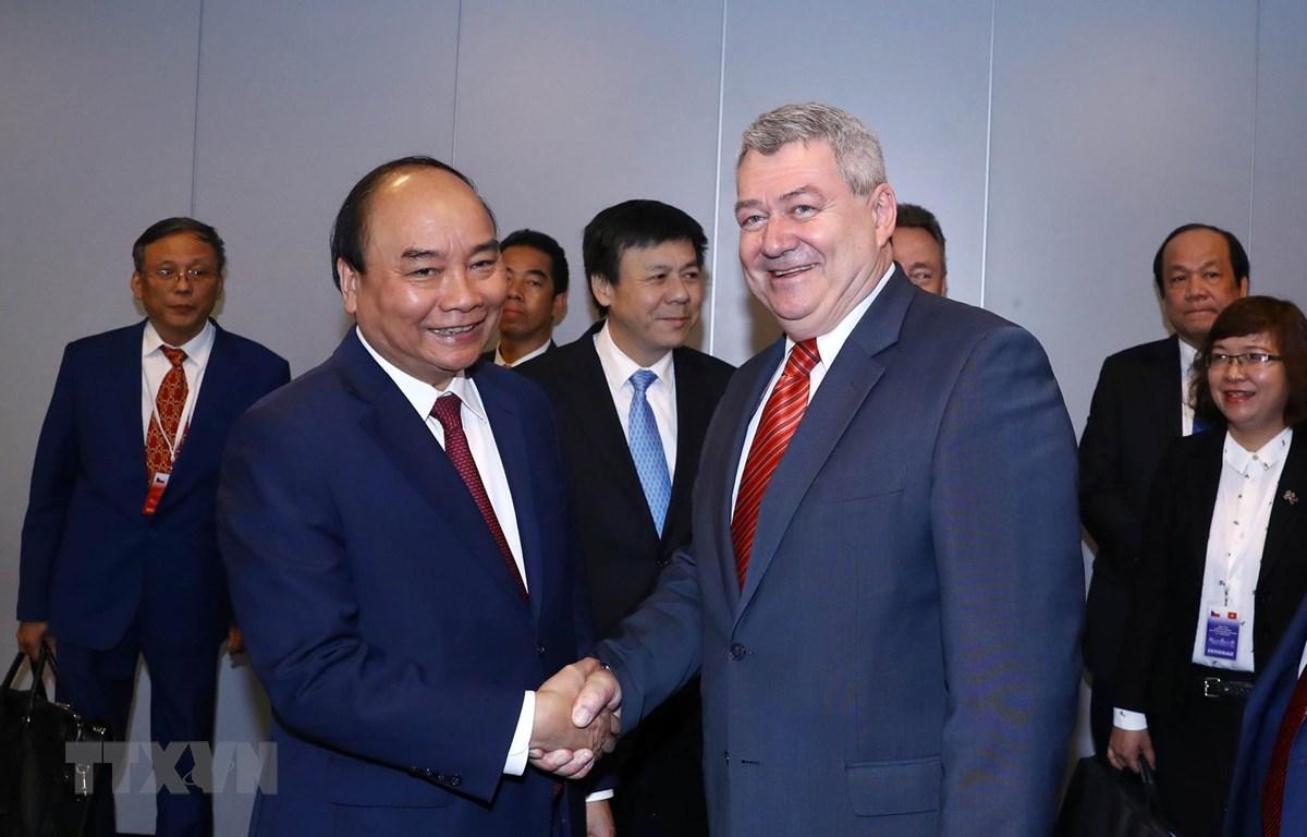 Thủ tướng Nguyễn Xuân Phúc tiếp Chủ tịch Đảng Cộng sản Séc-Morava, Phó Chủ tịch Hạ viện Séc Vojtech Filip. (Ảnh: Thống Nhất/TTXVN)