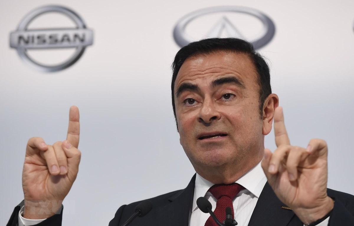 Ông Carlos Ghosn, khi giữ chức Chủ tịch và giám đốc điều hành của Nissan, trong cuộc họp báo tại Yokohama, Nhật Bản, ngày 13/5/2015. (Ảnh: AFP/TTXVN)