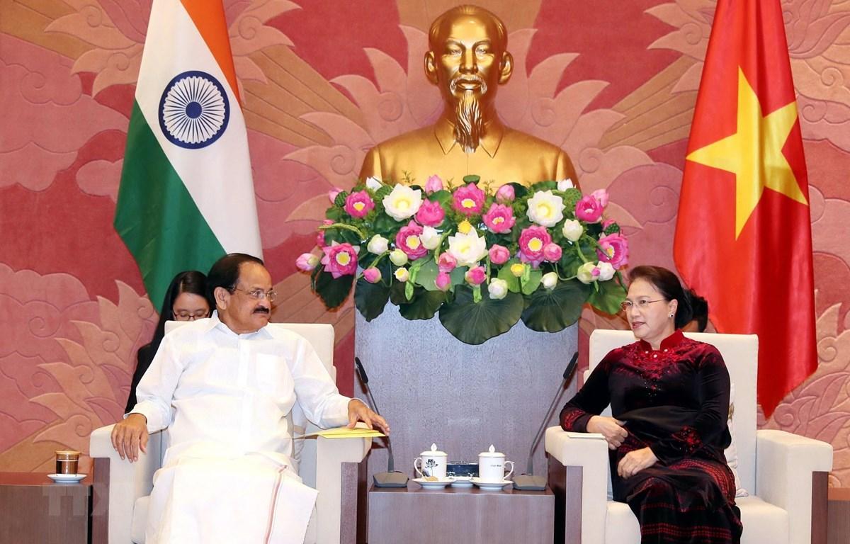 Chủ tịch Quốc hội Nguyễn Thị Kim Ngân tiếp Phó Tổng thống Cộng hòa Ấn Độ Venkaiah Naidu. (Ảnh: Trọng Đức/TTXVN)
