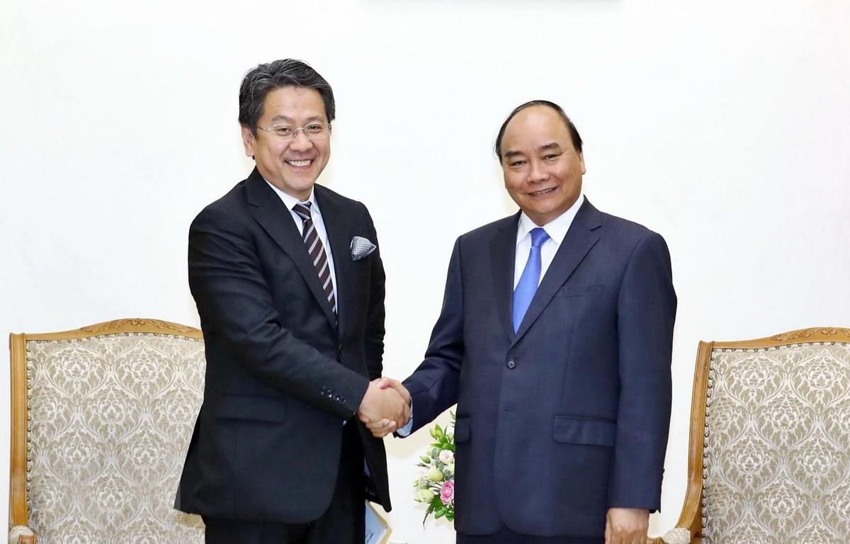 Thủ tướng Nguyễn Xuân Phúc tiếp ông Tadashi Maeda, Thống đốc Ngân hàng Hợp tác quốc tế Nhật Bản (JBIC). (Ảnh: Thống Nhất/TTXVN)