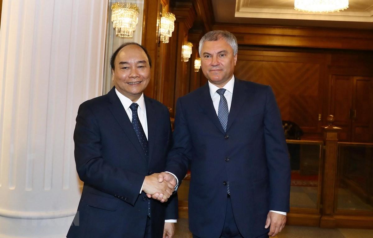 Thủ tướng Nguyễn Xuân Phúc hội kiến Chủ tịch Duma Quốc gia (Hạ viện Nga) Vyacheslav V. Volodin. (Ảnh: Thống Nhất/TTXVN)