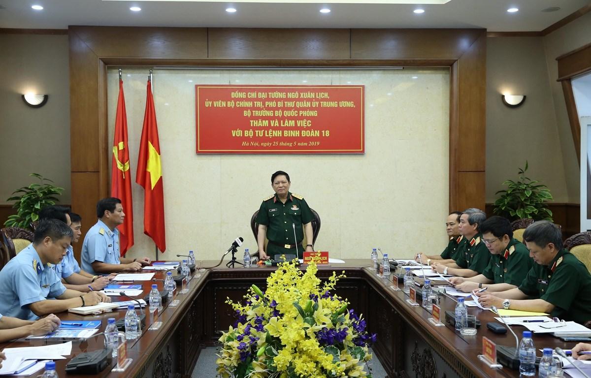 Đại tướng Ngô Xuân phát biểu tại buổi làm việc với Binh đoàn 18. (Ảnh: Dương Giang/TTXVN)