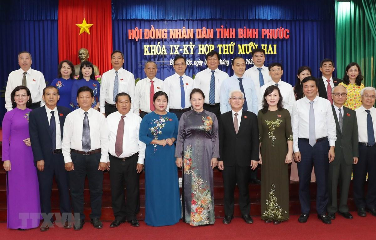 Chủ tịch Quốc hội Nguyễn Thị Kim Ngân với các đại biểu dự kỳ họp. (Ảnh: Trọng Đức/TTXVN)