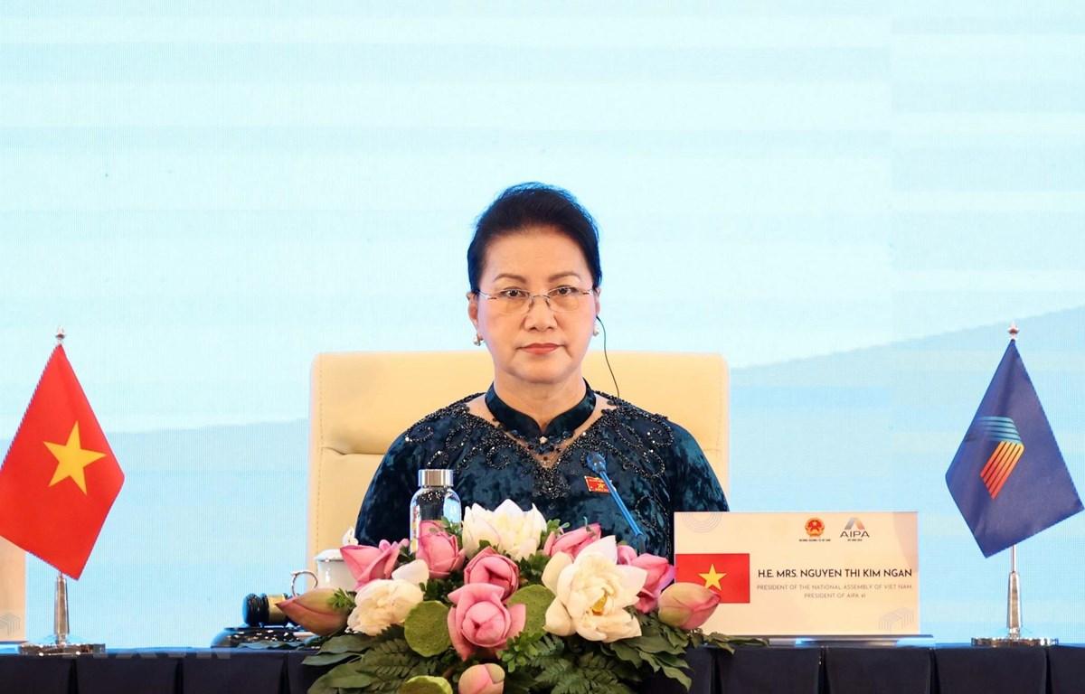 Chủ tịch Quốc hội Nguyễn Thị Kim Ngân, Chủ tịch AIPA- 41 điều hành Phiên họp toàn thể thứ Nhất Đại hội đồng lần thứ 41. (Ảnh: TTXVN)