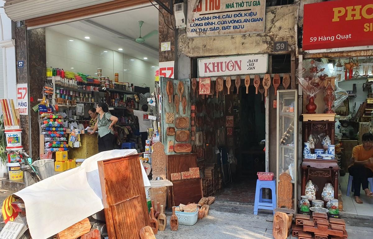 Một cửa hàng làm khuôn lâu năm trên phố Hàng Quạt, Hà Nội (Nguồn: Vietnam+)