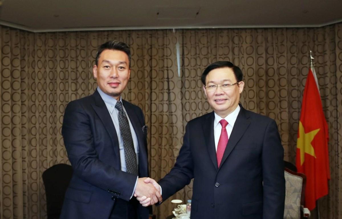 Phó Thủ tướng Chính phủ Vương Đình Huệ tiếp nhà đầu tư Công ty Alliex của Hàn Quốc. (Ảnh: Thành Chung)