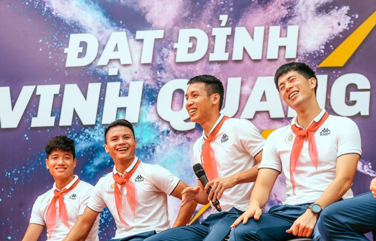 Strong Vietnam - chương trình trách nhiệm xã hội do Tập đoàn T&T Group và Câu lạc bộ bóng đá Hà Nội tổ chức. (Ảnh: CTV)