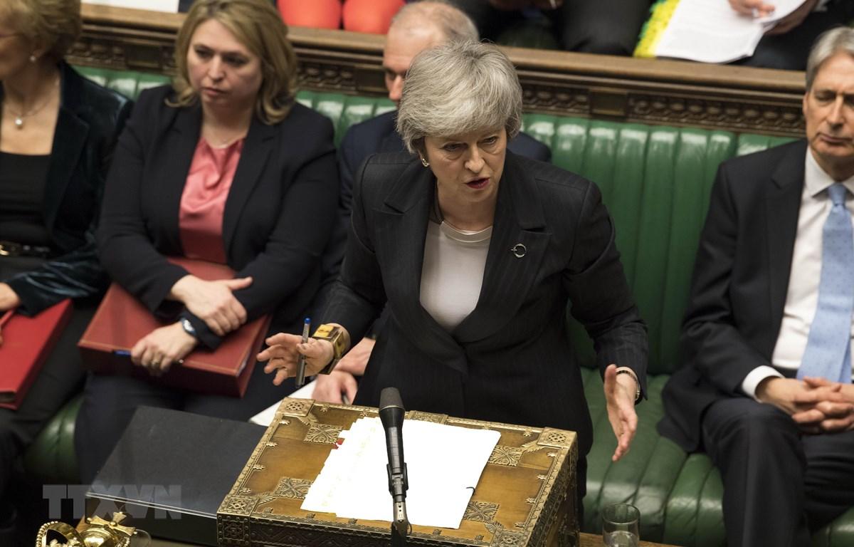 Thủ tướng Theresa May trả lời các câu hỏi chất vấn tại phiên họp Quốc hội ở London, Anh ngày 6/3. (Ảnh: THX/TTXVN)