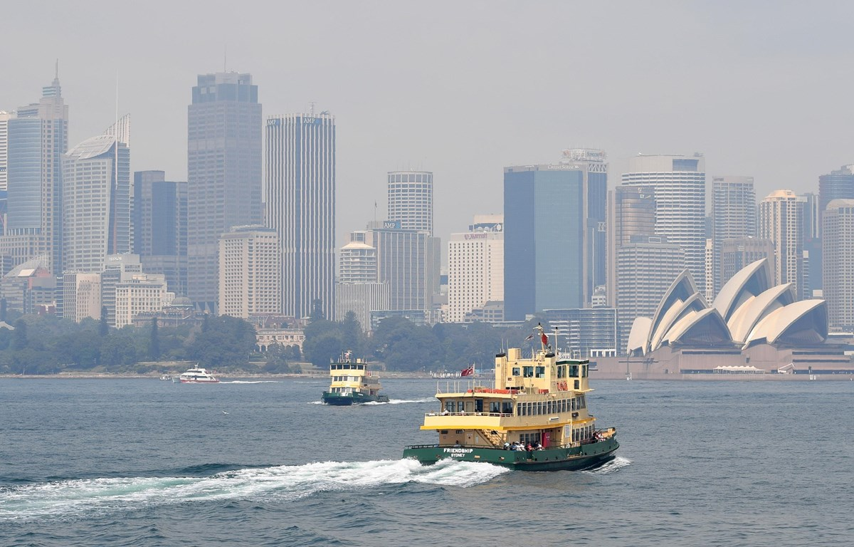Khói mù ô nhiễm bao phủ bầu trời tại Sydney, Australia. (Ảnh: AFP/ TTXVN)