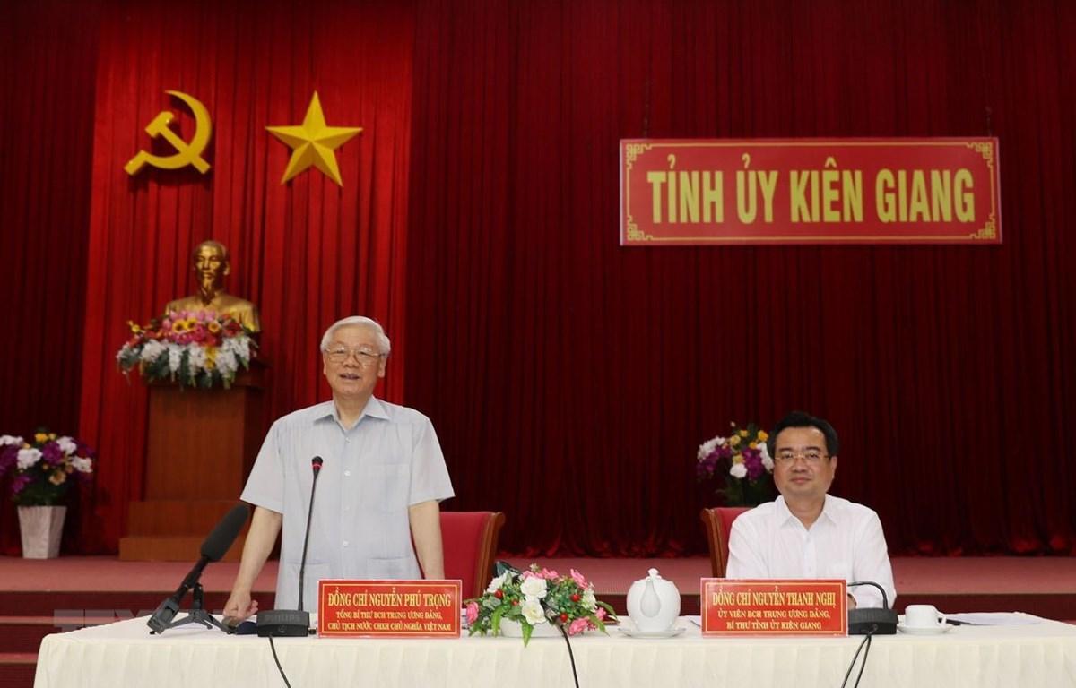 Tổng Bí thư, Chủ tịch nước Nguyễn Phú Trọng phát biểu kết luận buổi làm việc với lãnh đạo và cán bộ chủ chốt tỉnh Kiên Giang. (Ảnh: Trí Dũng/TTXVN)