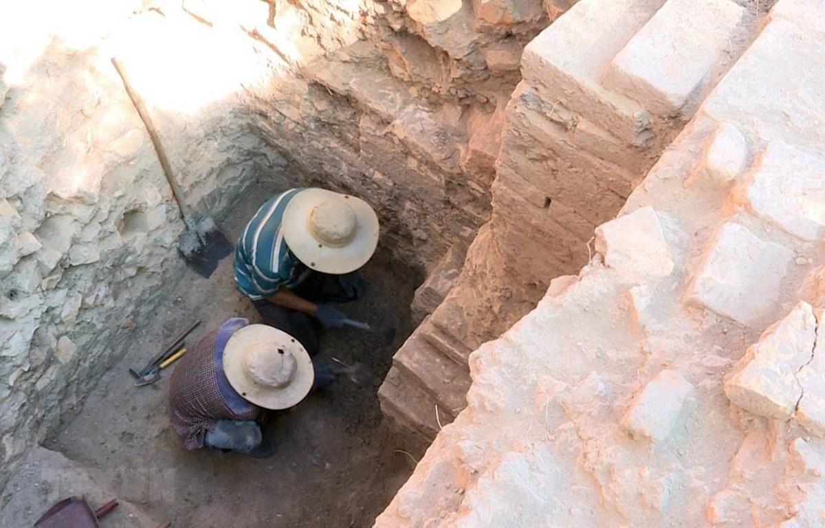Dấu ấn công trình tháp Chăm bằng gạch được các nhà khảo cổ học phát hiện. (Ảnh: Xuân Triệu/TTXVN)