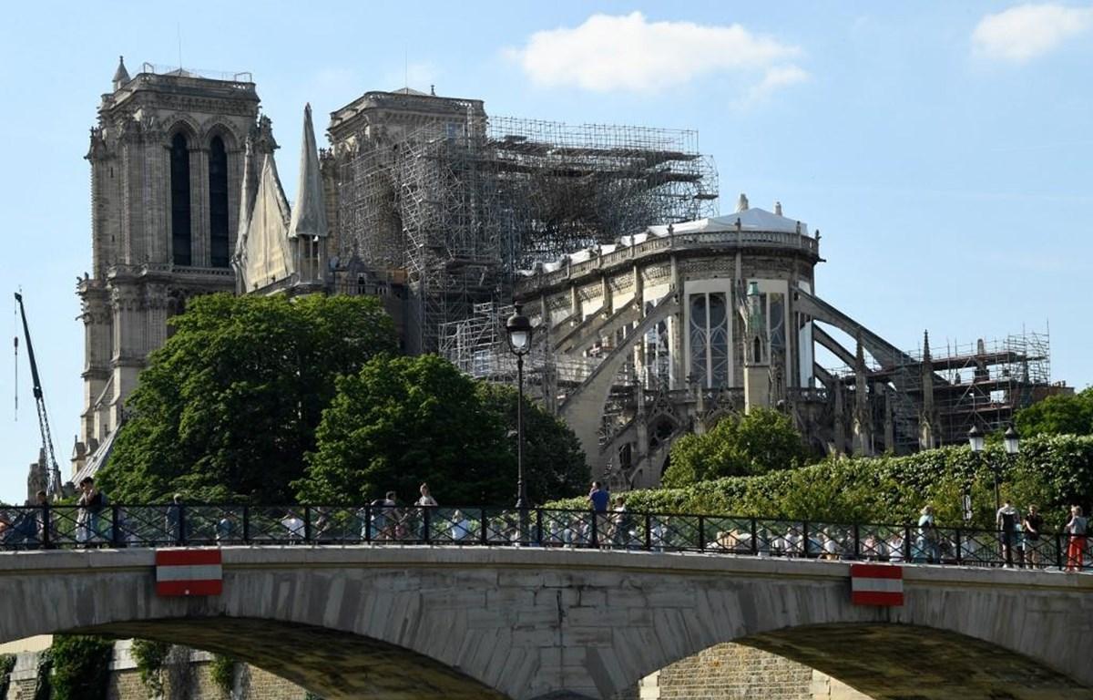 Nhà thờ Đức Bà Paris sau vụ hỏa hoạn. (Nguồn: AFP)
