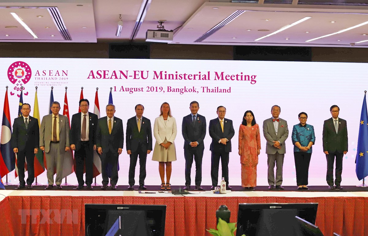 Các Bộ trưởng ASEAN-EU. (Ảnh: Hữu Kiên/TTXVN)