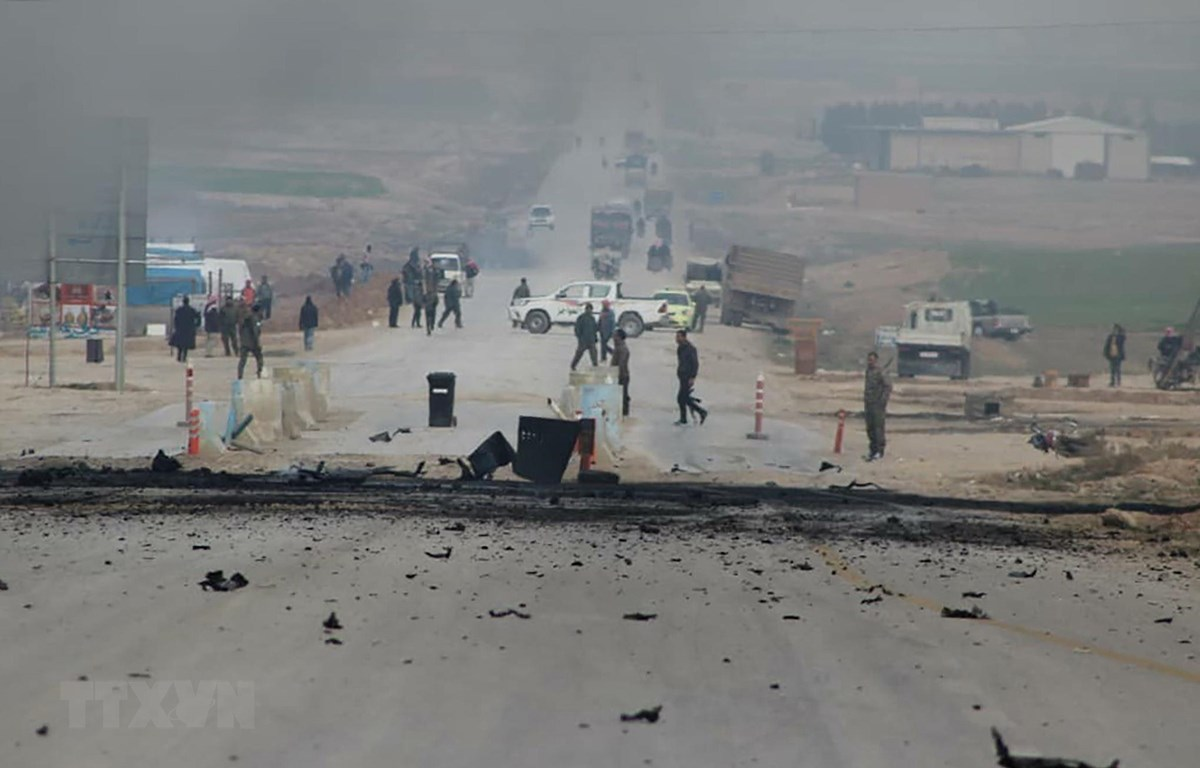 Hiện trường một vụ đánh bom tại tỉnh al-Hasakah, Đông Bắc Syria. (Ảnh: AFP/TTXVN)