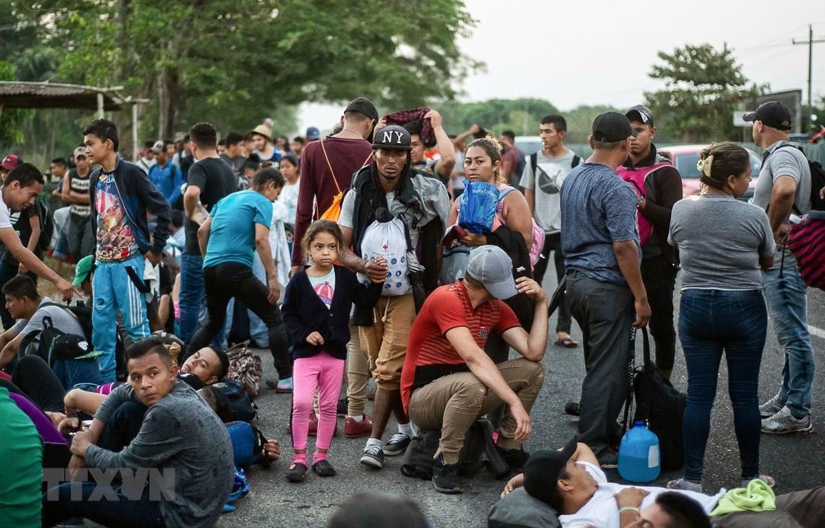 Người di cư Trung Mỹ trong hành trình tới Mỹ tại khu vực Tapachula, bang Chiapas, Mexico. (Ảnh: AFP/TTXVN)