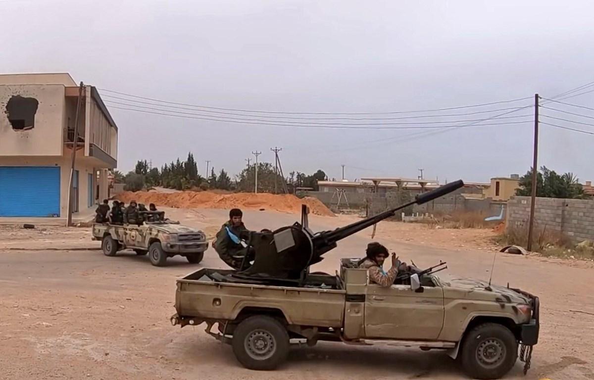 Lực lượng tự xưng Quân đội Quốc gia Libya (LNA) tại Tripoli, Libya, ngày 26/5/2019. (Ảnh: AFP/TTXVN)
